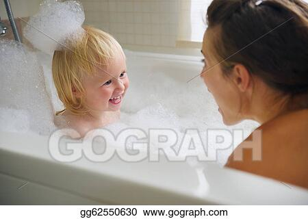 фото мама и сын в ванной