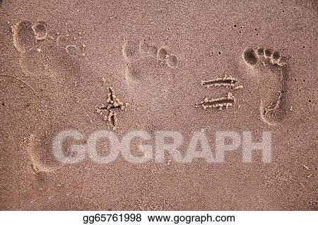 Drawing Family Footprints In The Sand Clipart Drawing Gg65761998
